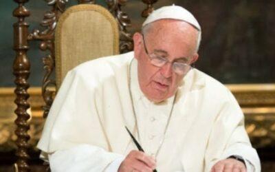 Mes de maig: Carta del Papa i dues pregàries a la Mare de Déu