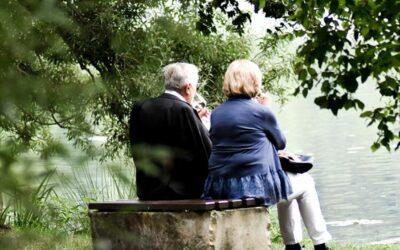 Els bisbes parlen de la gent gran